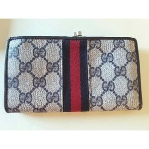 Gucci Authentic Vintage 1989 GG Wallet